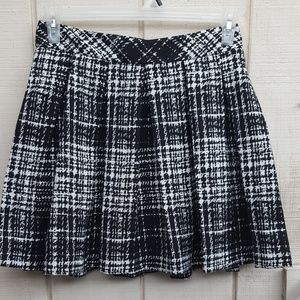 Banana Republic Black and White Plaid Skirt Size 4